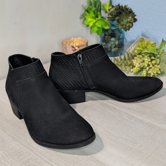 055dc50b7cb29 Lucky Brand Shoes - Lucky Brand Brintly Black Leather Ankle Booties